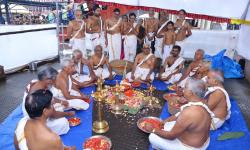 Laksharchana performed at Sannidhanam